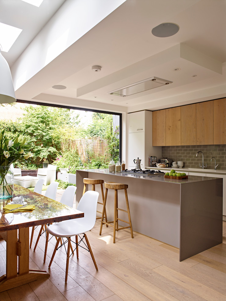Kitchen Full View including dining space & central island Holloways of Ludlow Bespoke Kitchens & Cabinetry Modern kitchen Solid Wood Grey