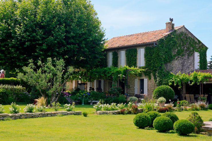 CONCEPTUELLES PAYSAGE ET DECORATION Jardines de estilo mediterráneo