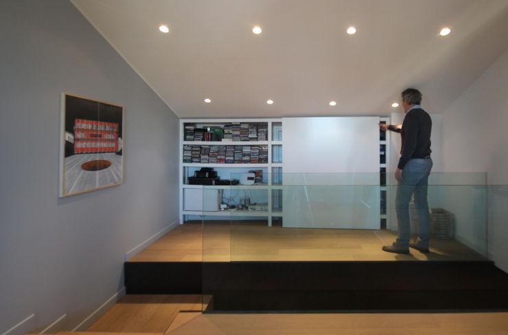 STUDIO DI ARCHITETTURA RAFFIN Couloir, entrée, escaliers modernes Verre Noir