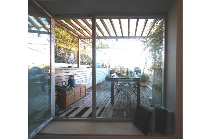 STUDIO DI ARCHITETTURA RAFFIN Balcon, Veranda & Terrasse modernes