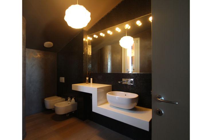 STUDIO DI ARCHITETTURA RAFFIN Salle de bain moderne Noir