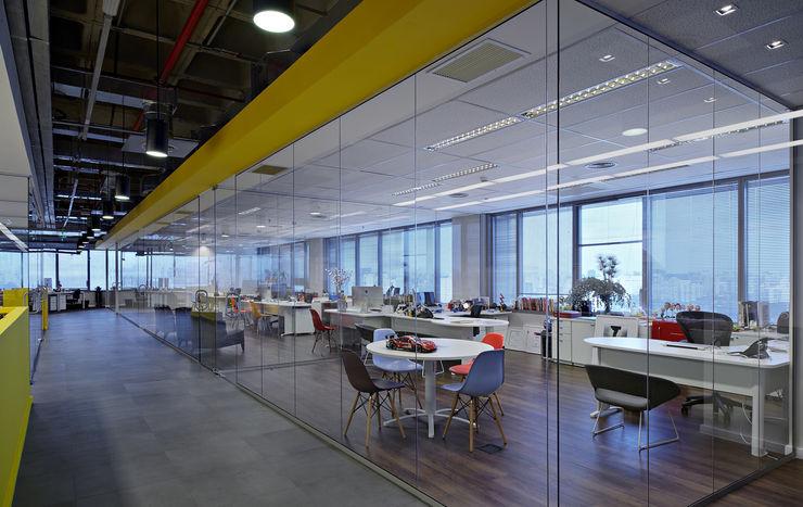 Lew'Lara\TBWA em São Paulo Athié Wohnrath Associados Espaços comerciais modernos
