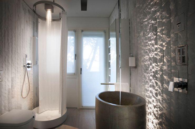 Marmo Lasa a spacco BHC Home experience Bagno moderno Marmo Bianco