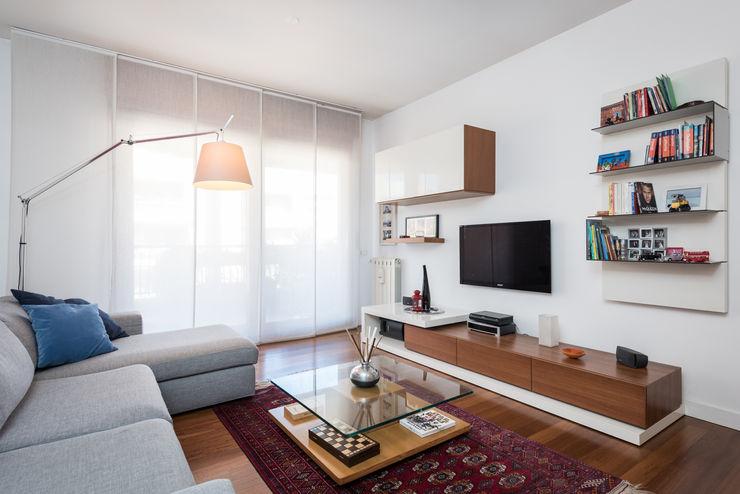 Parete TV zero6studio - Studio Associato di Architettura Soggiorno moderno