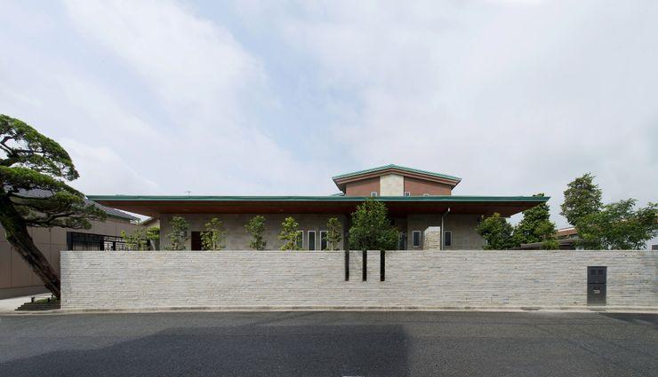 有限会社 光設計 Rumah Gaya Rustic