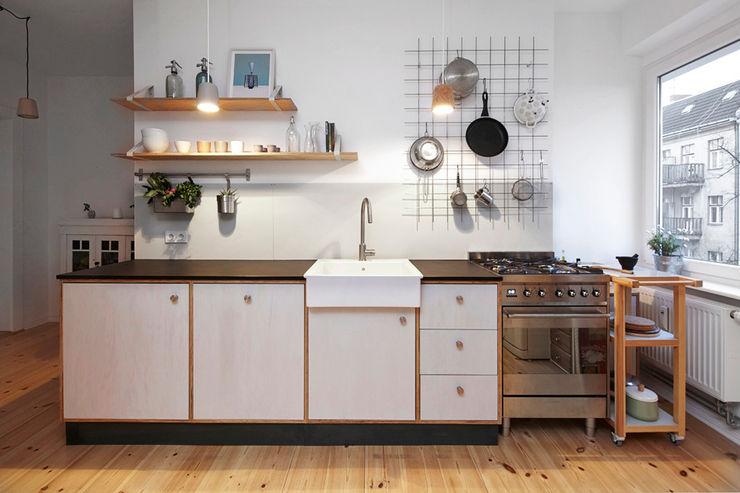 Happyhomes Minimalist kitchen Wood Grey