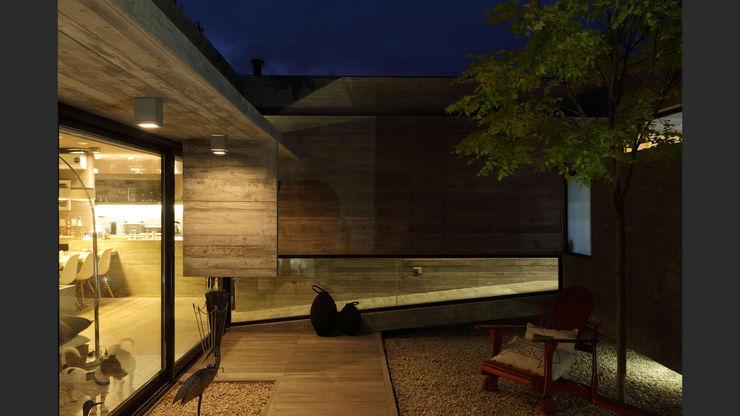 homify Minimalist style garden Concrete