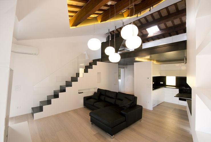 Cumo Mori Roversi Architetti Salas de estilo minimalista