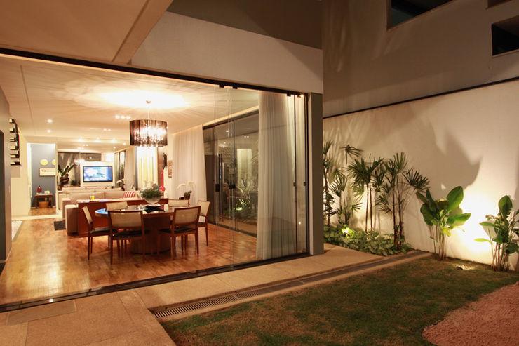 Arabesco Arquitetura Pintu & Jendela Modern