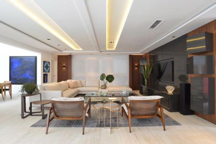 Ana Letícia Virmond Projetos e Interiores Modern media room
