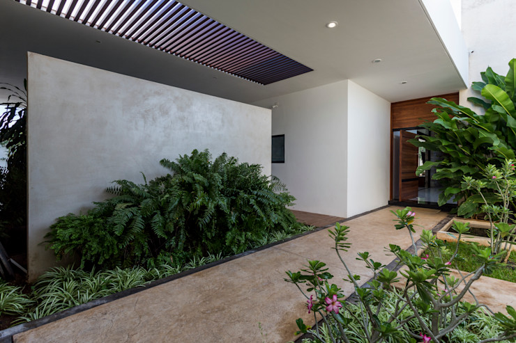 P11 ARQUITECTOS Rumah Modern