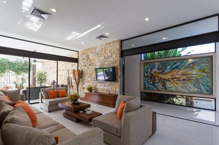 Casa O44 P11 ARQUITECTOS Salones modernos