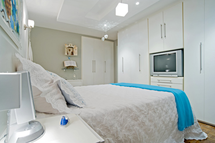 Patrícia Azoni Arquitetura + Arte & Design Eclectic style bedroom