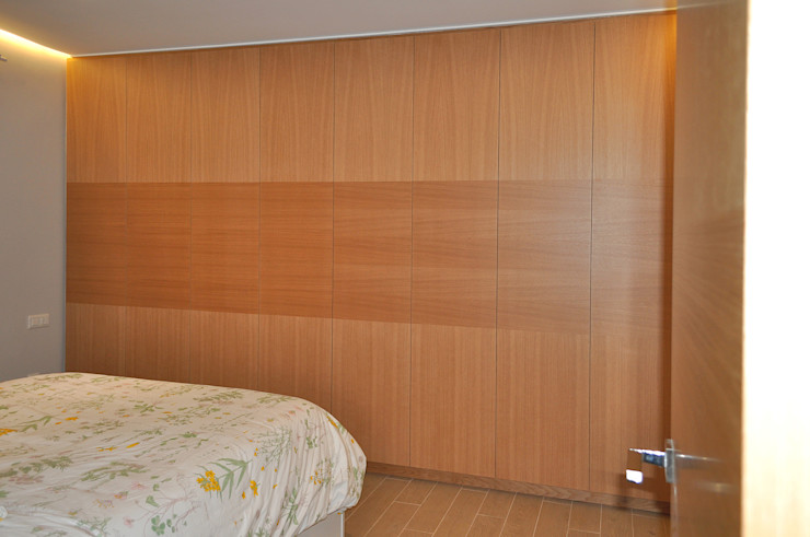MUDEYBA S.L. Dressing roomWardrobes & drawers Wood Wood effect