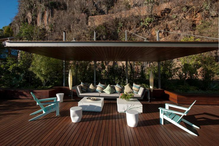 Serrano Monjaraz Arquitectos Балкон и терраса в стиле модерн