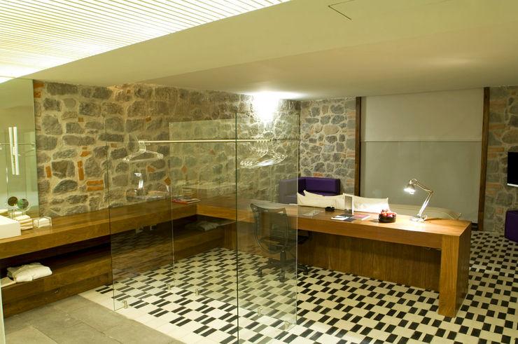 Hotel La Purificadora Serrano Monjaraz Arquitectos Baños modernos