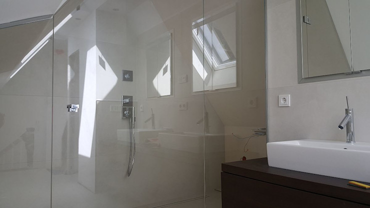 FD Fliesen GmbH Modern bathroom Tiles