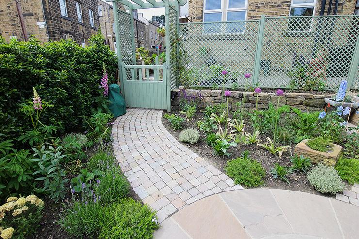Contemporary Cottage Garden Yorkshire Gardens Rustieke tuinen