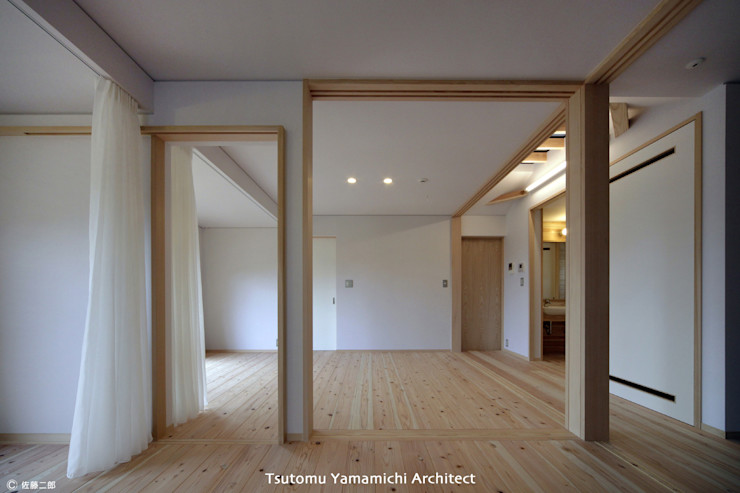 山道勉建築 Scandinavian style bedroom Wood White