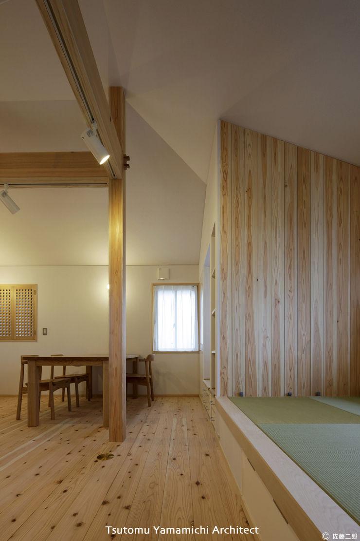 山道勉建築 Living room Wood White