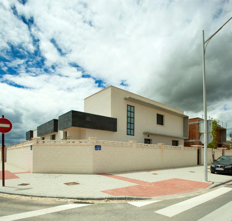 Casa AI Mascagni arquitectos Casas de estilo moderno