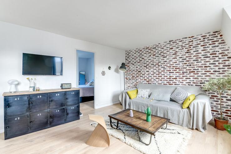 SALON PROJET COLOMBES, Agence Transition Interior Design, Architectes: Carla Lopez et Margaux Meza Transition Interior Design Salon moderne