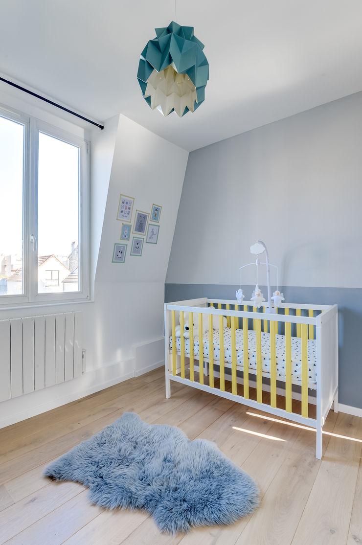 PROJET COLOMBES, Agence Transition Interior Design, Architectes: Carla Lopez et Margaux Meza Transition Interior Design Chambre d'enfant moderne