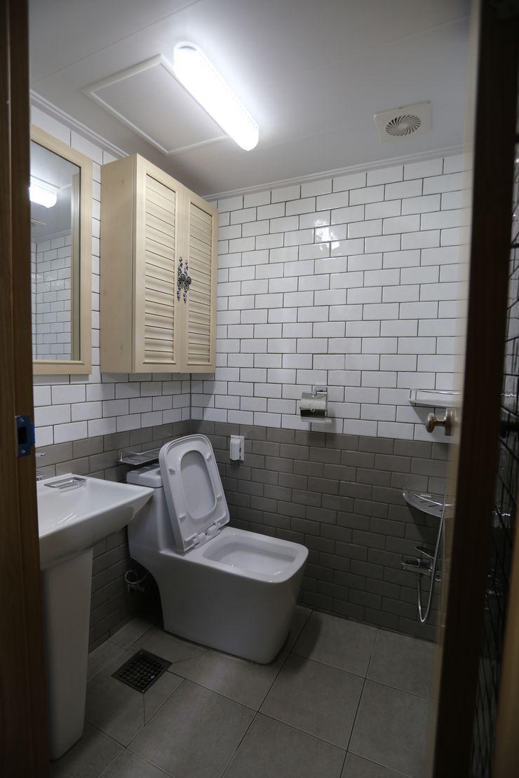 디자인세븐 Industrial style bathrooms