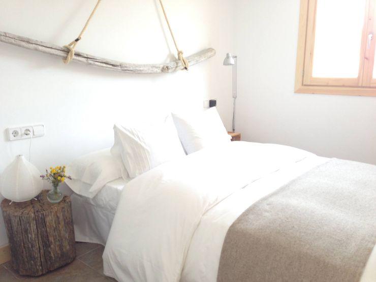 Mas Natural Design СпальняПриліжкові тумбочки