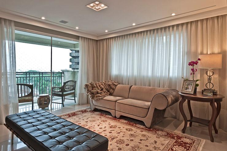 APARTAMENTO RLO Isadora Brzezinski Arquitetura Salas de estar clássicas