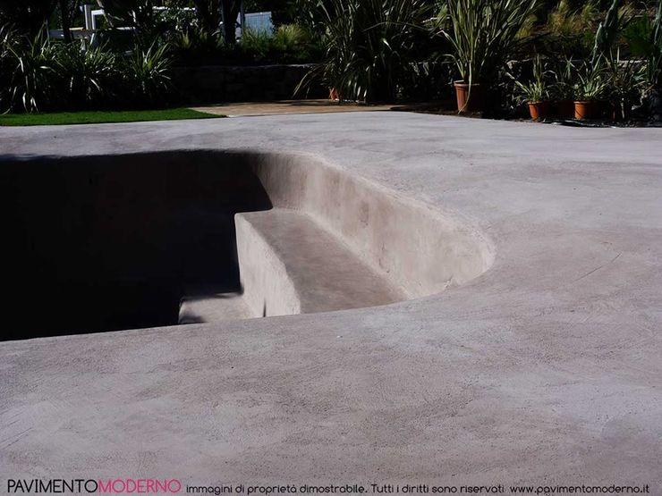 Rivestimento piscina in cemento armato ad effetto naturale Pavimento Moderno Piscina moderna Beige