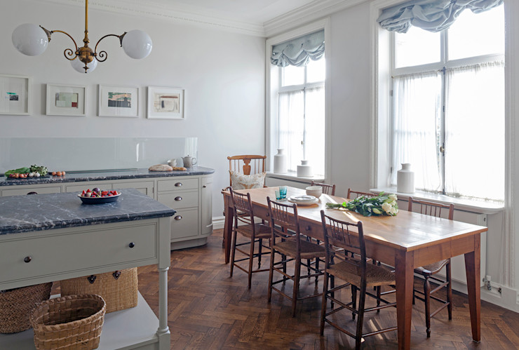 The kitchen at the Mansfield Street Apartment Nash Baker Architects Ltd Cozinhas clássicas Branco