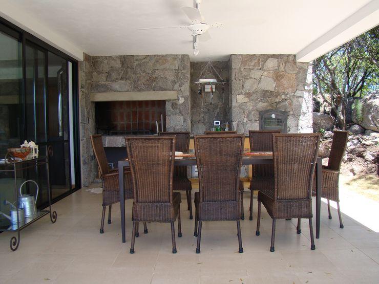 Estudio Monica Fiore Modern Dining Room