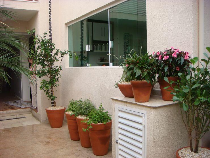 Greice Peralta Tropical style garden