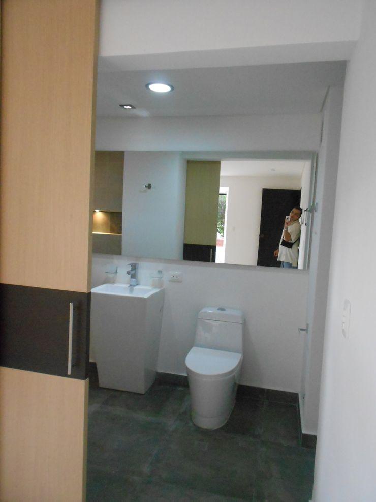 ARQUITECTONI-K Diseño + Construcción SAS Salle de bain moderne