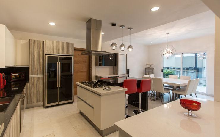 Casa CG Grupo Arsciniest Cocinas de estilo moderno Granito Negro