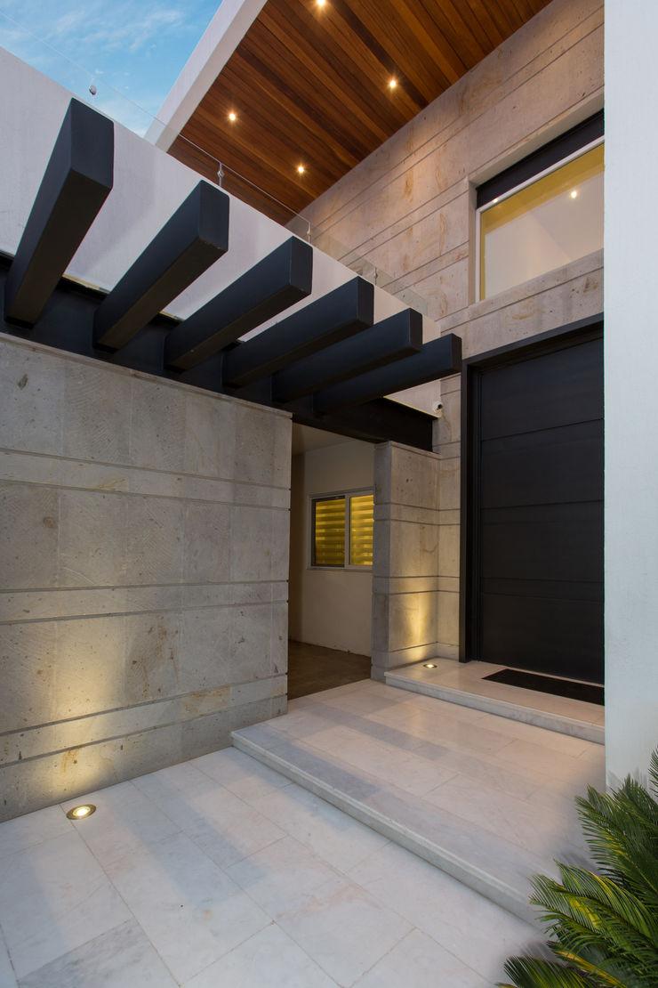 Casa CG Grupo Arsciniest Casas de estilo moderno Metal Negro