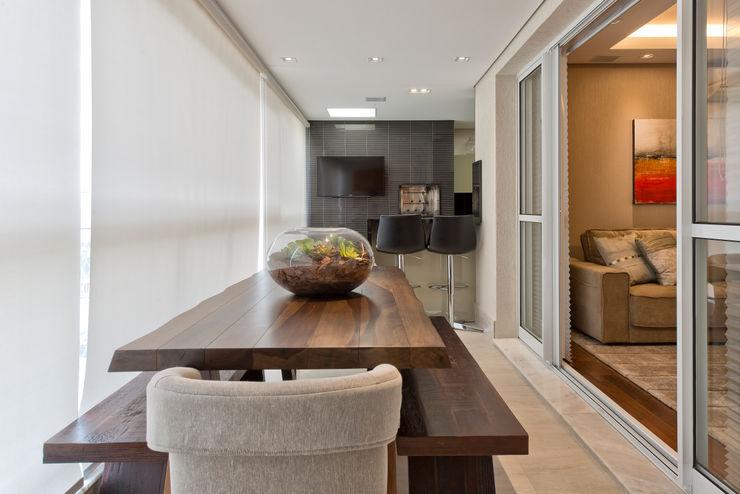VL Arquitetura e Interiores Balcones y terrazas modernos: Ideas, imágenes y decoración