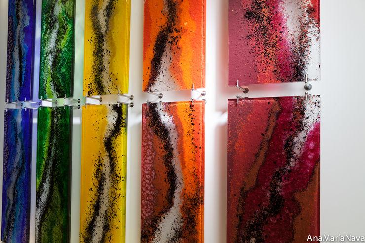 CAUCES PARALELOS . Escultura en Lobby del Club Nautico de Maracaibo Ana Maria Nava Glass Bares y Clubs Vidrio Multicolor