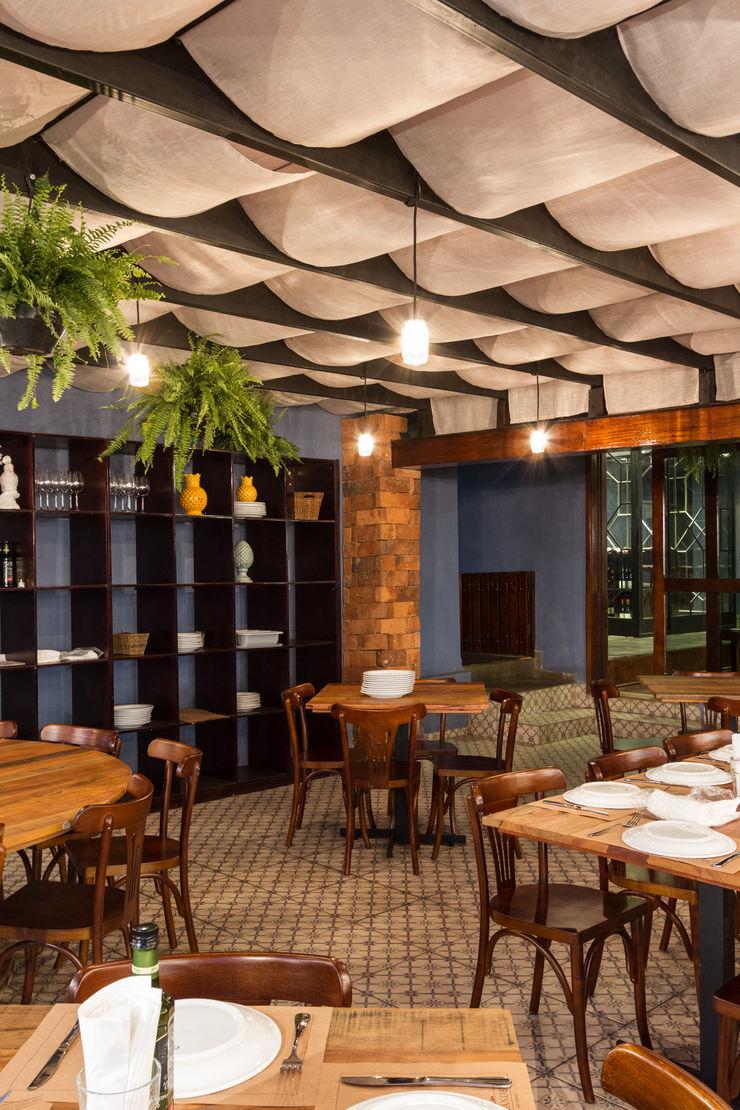 Piloni Arquitetura Gastronomi Gaya Rustic