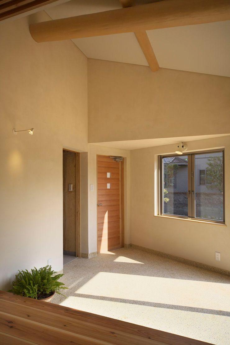 大森建築設計室 Коридор, прихожая и лестница в классическом стиле