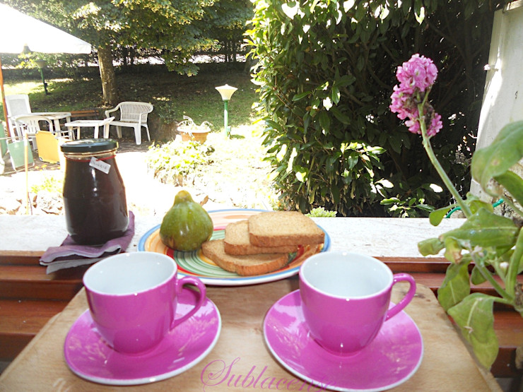 immobiliare sublacense KitchenCutlery, crockery & glassware Pink