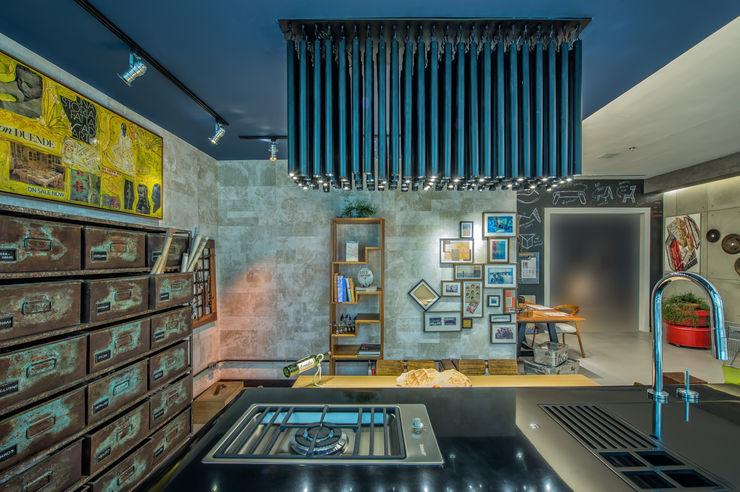 Emmilia Cardoso Designers Associados Industrial style study/office