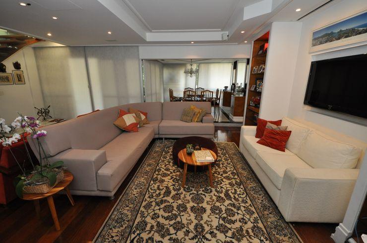 Emmilia Cardoso Designers Associados Ruang Keluarga Klasik