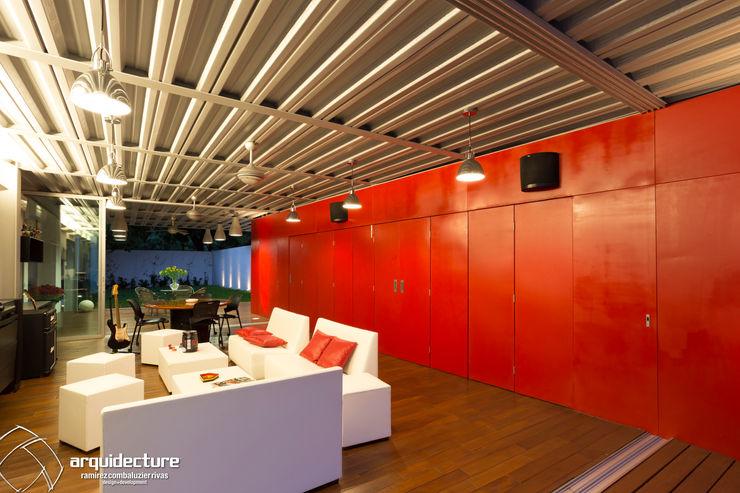 CANCELES ABIERTOS – CAJA CERRADA Adagio Arquitectos Salones de estilo industrial Metal Rojo
