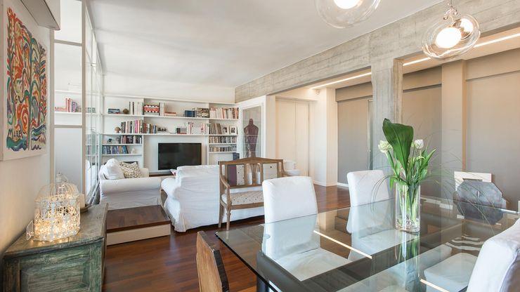 Appartamento ad Ostiense - Roma Archifacturing Soggiorno in stile industriale Bianco