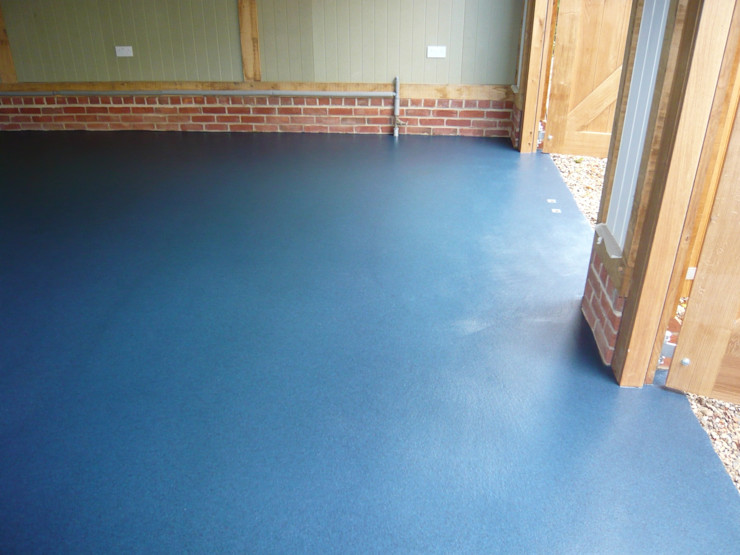 Blue Resin Floor by Garageflex Garageflex Klassische Wände & Böden Blau