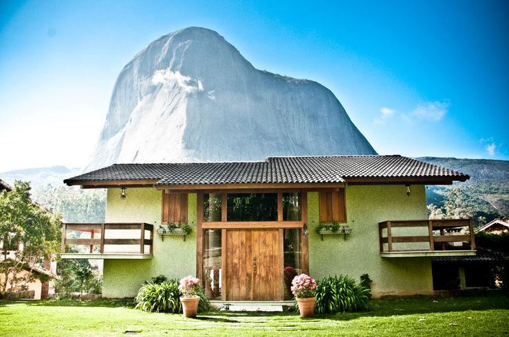 Carlos Eduardo de Lacerda Arquitetura e Planejamento Casas de estilo rural Verde