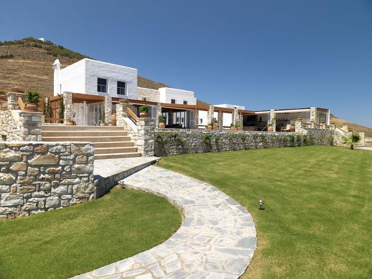 Carlos Eduardo de Lacerda Arquitetura e Planejamento Casas de estilo mediterráneo Blanco
