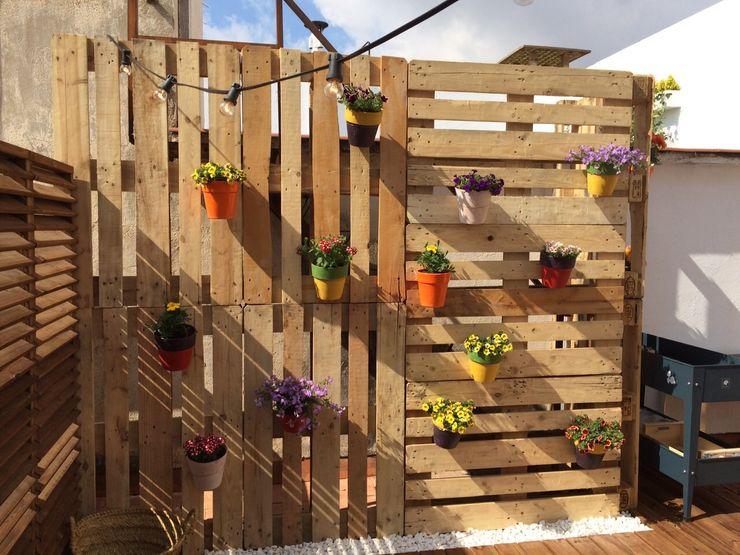 Quercus Jardiners Balcone, Veranda & Terrazza in stile moderno